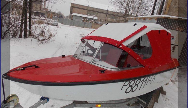 Перевозка на прицепе лодки Ладога