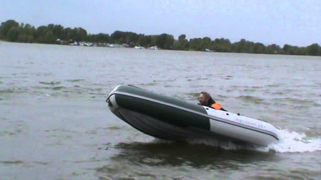 лодка глиссиреут